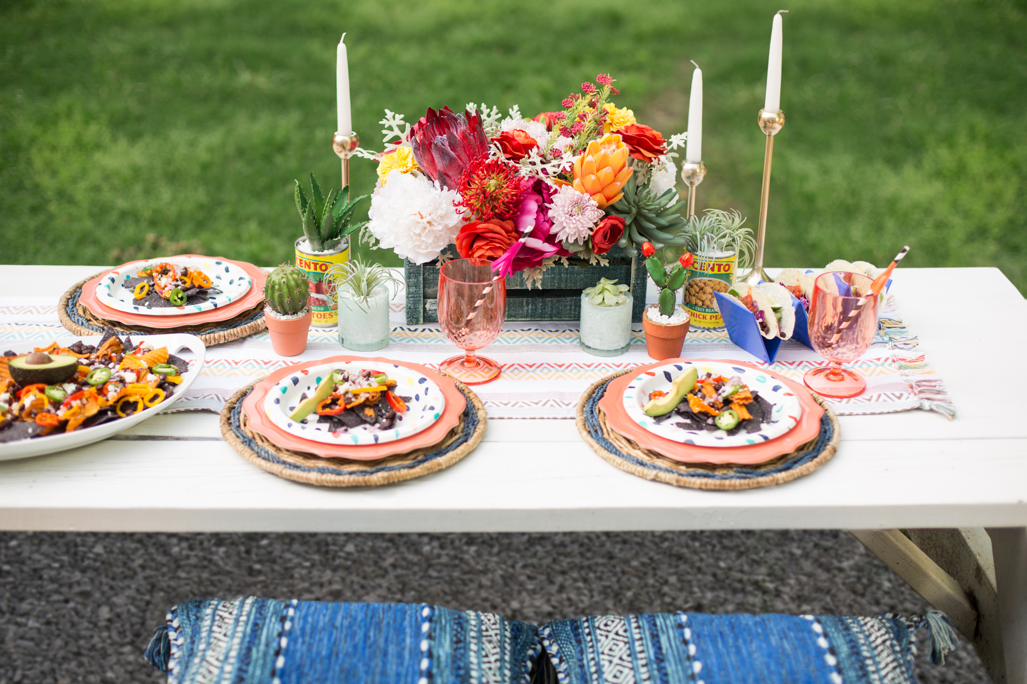 guide to backyard tablescapes perfect for summer parties