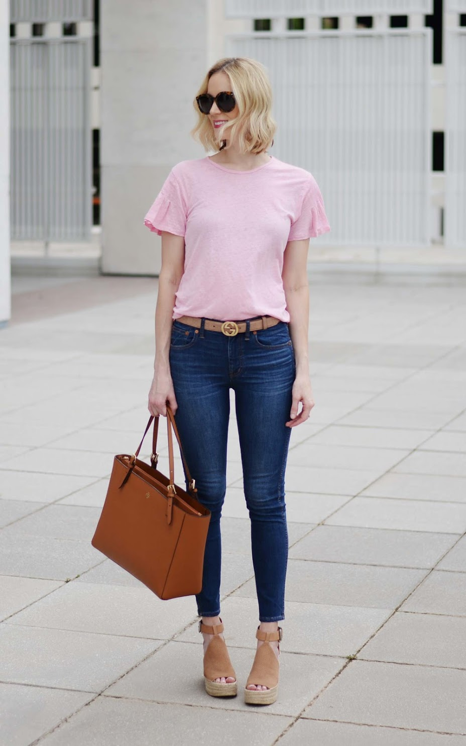pink tee and jeans 1